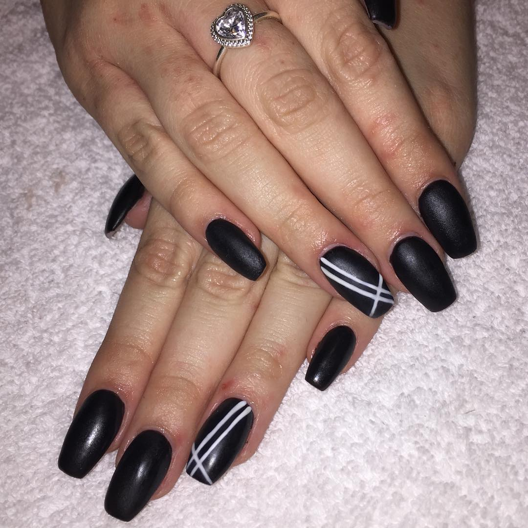 29 Black And White Acrylic Nail Art Designs Ideas Design Lines Model