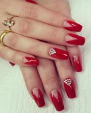 red finger nail art design