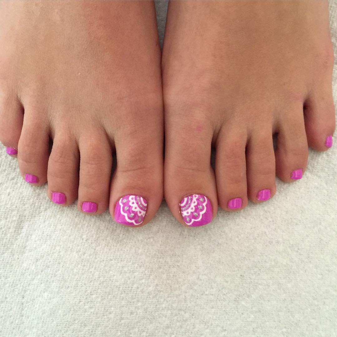White And Pink Summer Nail Art