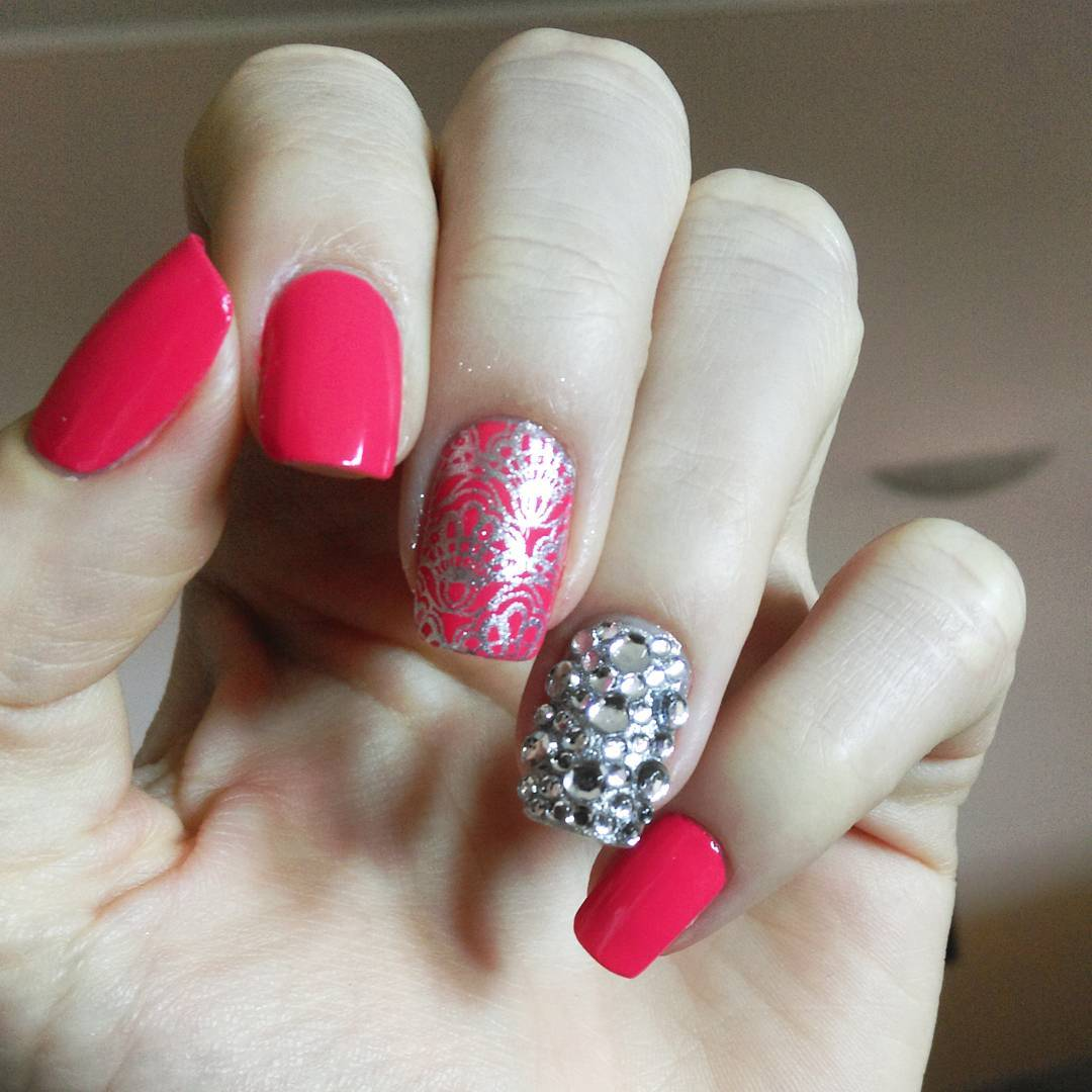 25+ Red Carpet Nail Designs, Ideas  Design Trends