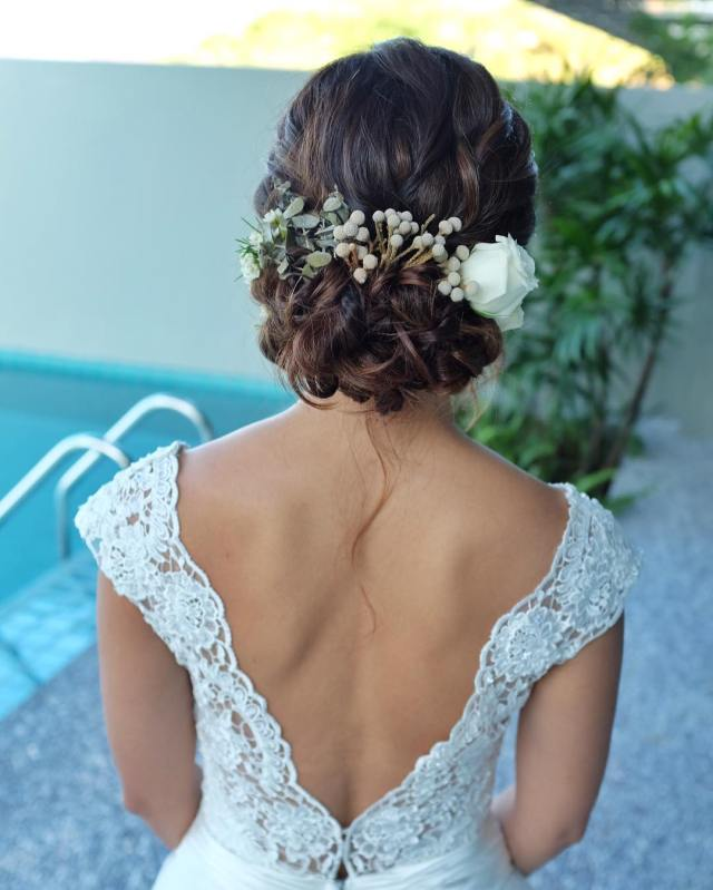 30+ beach wedding hairstyles ideas, designs | design trends