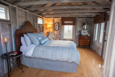 bedroom cottage interior farmhouse rustic farm maine shed guest room designs plans cabin converted portland flanagan bedrooms decorating into conversion