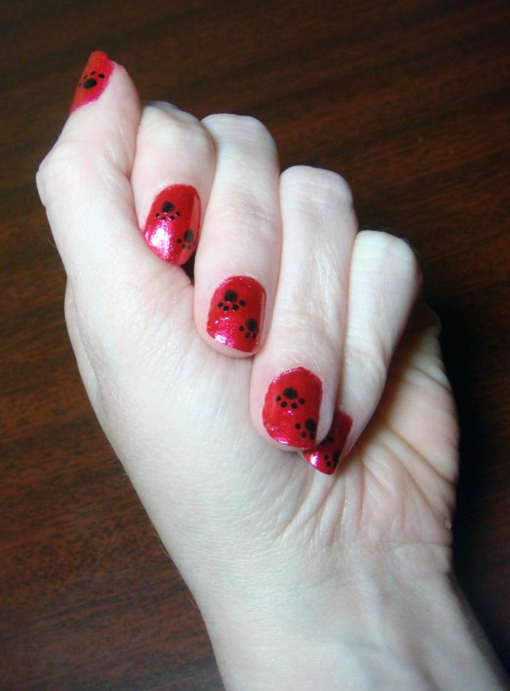 Red Paw Nail Art