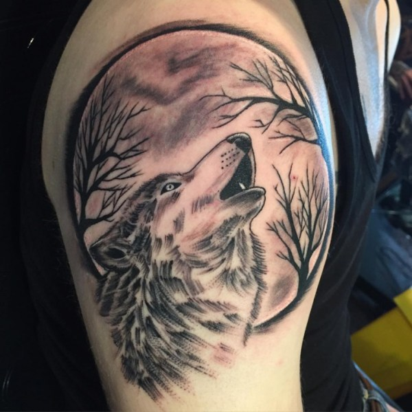 20 Wolf Howling Moon Tattoos For Men Ideas And Designs