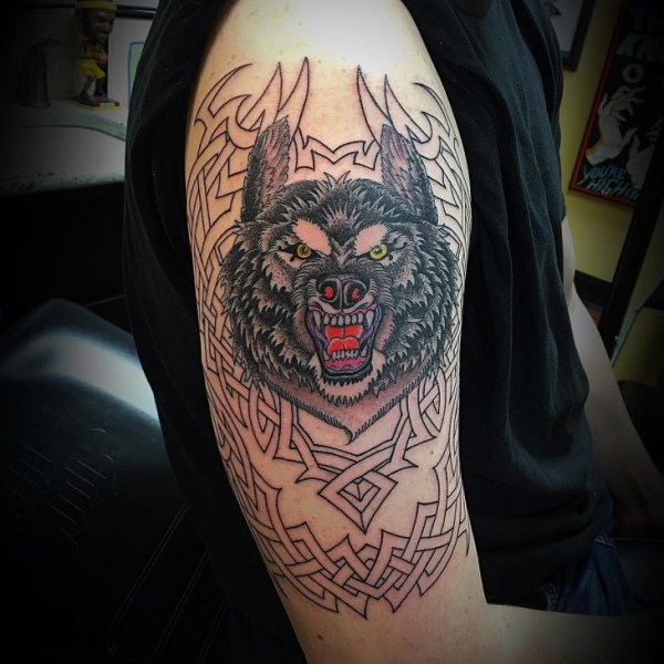 20 Blackfoot Wolf Half Sleeve Tattoos Ideas And Designs