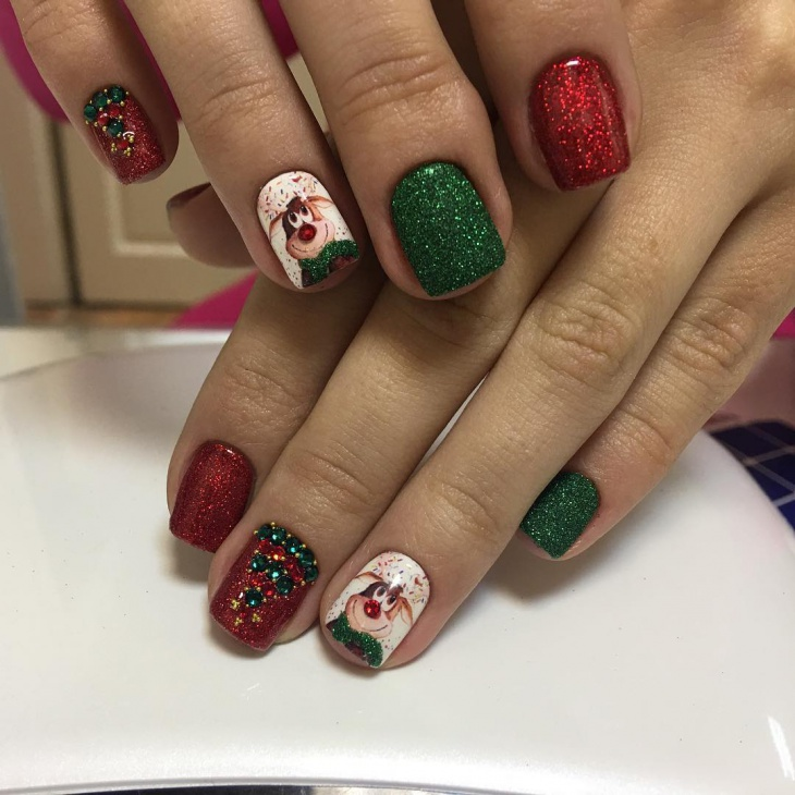 Red And Green New Year Nail Art For Short Nails