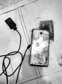 Xiaomi Sogok Korban Ponsel Terbakar