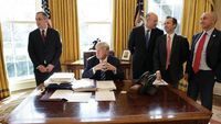 Bikin Pabrik Anyar, Intel Sowan ke Presiden Trump