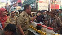 Wali Kota Jakarta Timur, Bambang Musyawardana, berjanji akan menindak para pedagang makanan yang menggunakan zat berbahaya.