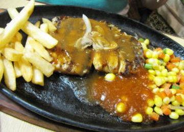 Steak Lezat dan Halal di Waroeng Steak