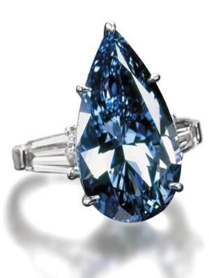 Cincin berlian biru