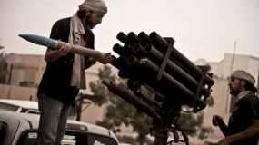 Wow! Prancis Berikan Duit Senilai Rp 2,1 T ke Pemberontak Libya