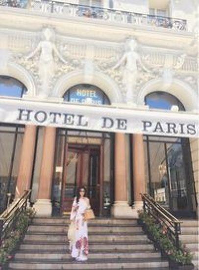 Foto Syahrini Pamer Paha Mulus di Monako Instagram/princessyahrini 3