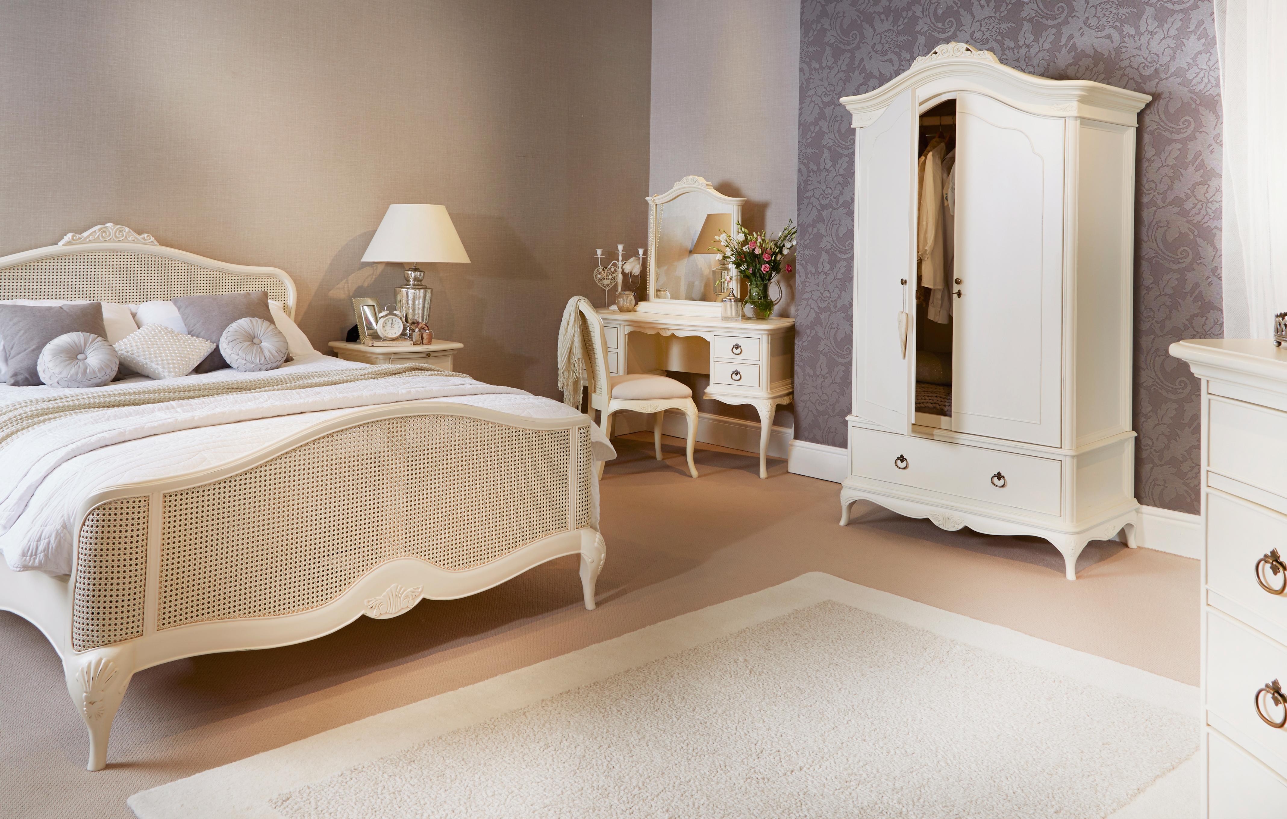 bedroom chair dfs swivel walmart eclipse furniture indiepedia org