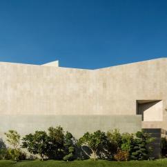 Hanging Chair Kuwait Vinyl Lawn Webbing Agi Architects Nelson Garrido  Wall House Divisare