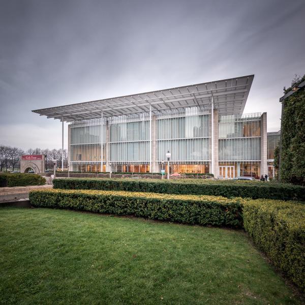 Renzo Piano Modern Wing