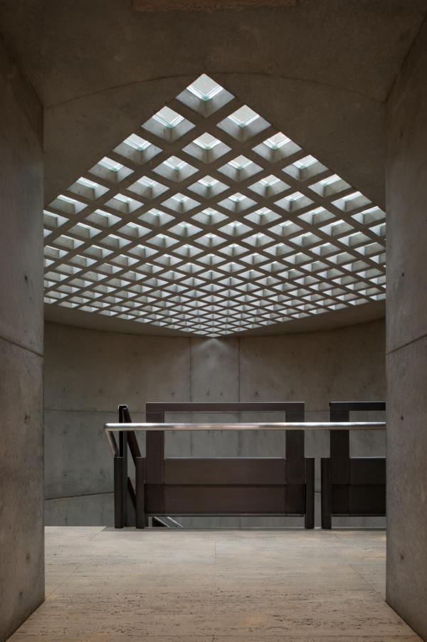 Louis Kahn Xavier De Jaurguiberry Yale Center