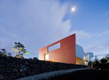 Bernardo Rodrigues, Iwan Baan · House on the flight of ...