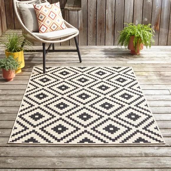 outdoor rugs garden patio rugs dunelm
