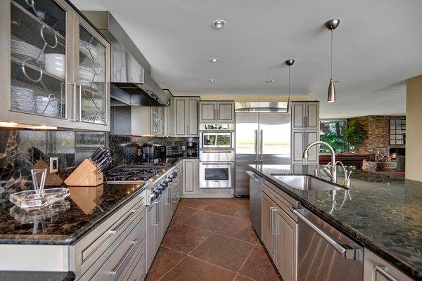 best modern kitchen terra cotta tile