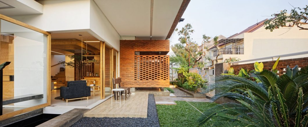 Flick House Delution Indonesia Green Architecture Garden
