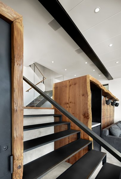 Photo 7 Of 15 In Twin Peaks Escape Pad Dwell | Live Edge Stair Treads | Stained | Build In Bench | Douglas Fir | Dark Risers | Barnwood