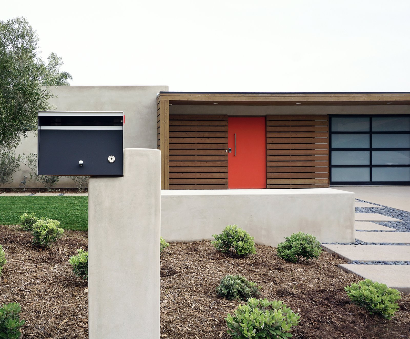 8 Best Modern Mailboxes To Buy