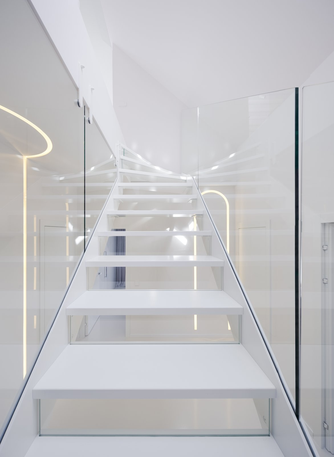 Photo 59 Of 141 In Staircase Glass Photos From This Bright White | White And Glass Staircase | Before And After | American White Oak | Luxurious | High End Glass | White Handrail Treads