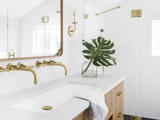 12 Bathroom Wall Lights We Love For Less Than 100 Dwell
