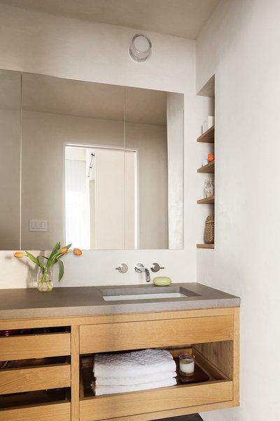 Photo 22 of 25 in 25 Best Modern Bathroom Vanities for ...