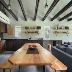 Travertine Kitchen Backsplash Kwc Faucet 最佳60 现代餐厅设计的照片和想法 居住 亚博提款 在厨房里 石楠花砖的后挡板搭在皮质花岗岩柜台上