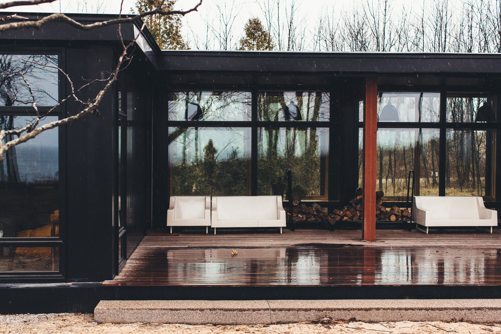 The Caudill House Modern Home in Northport Michigan by