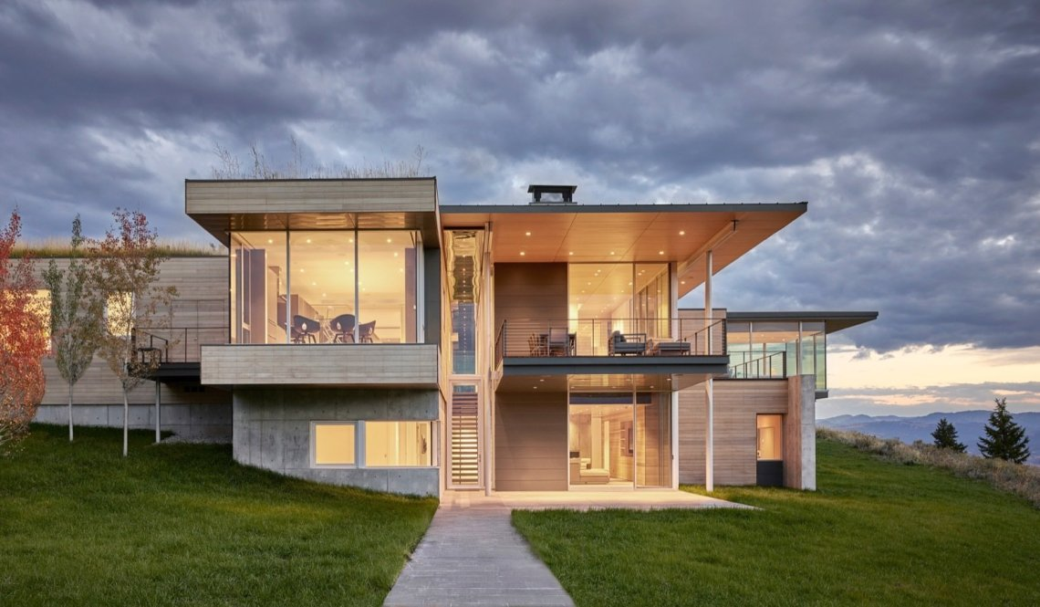 A Modern House Accentuates a Sensational Wyoming Landscape ...