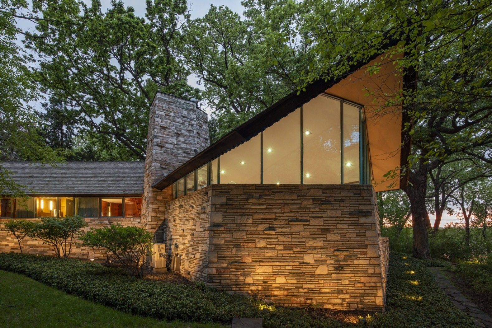 A Frank Lloyd Wright Home With Unusual Materials Hits The