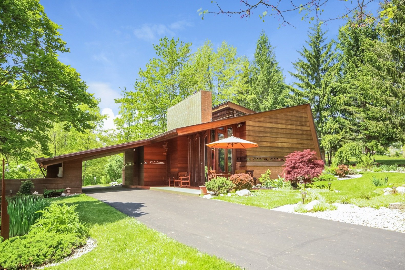 A Gorgeous Frank Lloyd Wright Home Hits The Market For The First Time At 12M Dwell