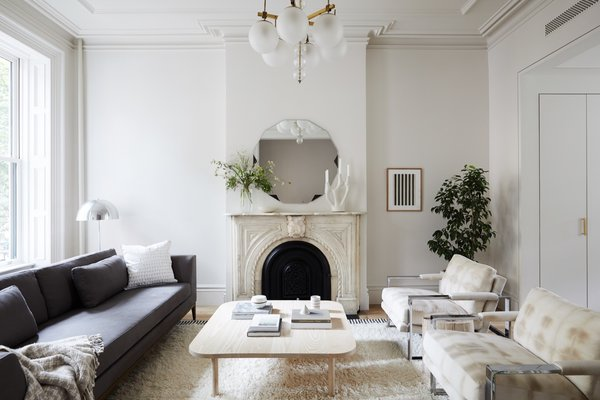 Photo 4 of 10 in 10 Unbeatable Brownstone Renovations in