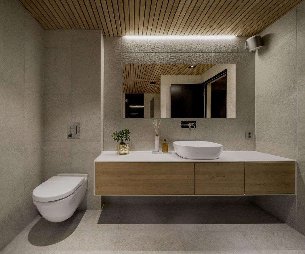Ejford Cabin bathroom