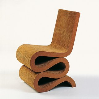 frank gehry cardboard chairs ergonomic chair adjustments a pile of scrap inspired s iconic collection photo 2