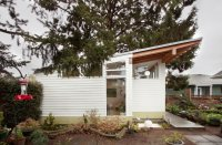 A Tiny Backyard Studio in Seattle Filled With Midcentury