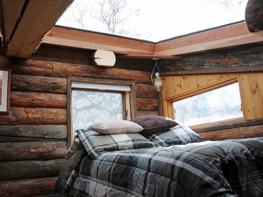 Enjoy the Rest of Fall by Renting One of These Cozy Cabins
