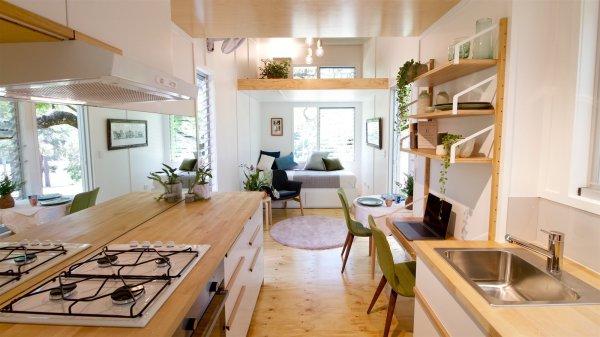 Midcentury-inspired Tiny House Radiates Clever Design