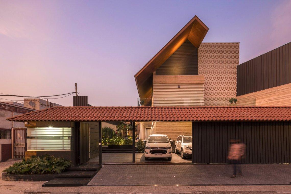 An Indian Modern House Modern Home in Jalandhar, Punjab ...