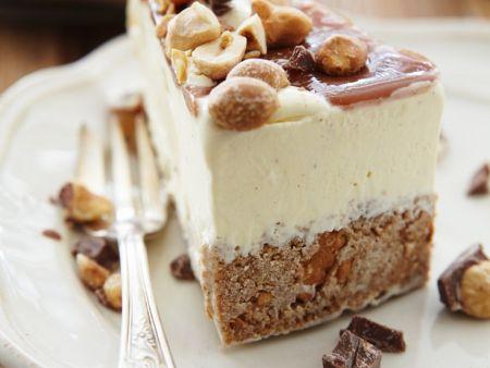 Torte mit Nssen und Karamell Rezept  EAT SMARTER