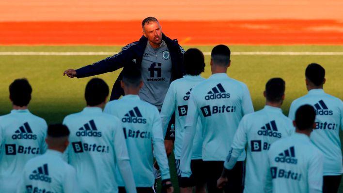 Luis Enrique, durante el entrenamiento. (EFE)
