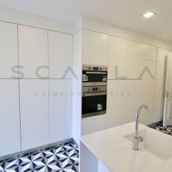 Patio Kitchen Copper Lighting 优秀的公寓与4间客房与露台在坎普pequeno Scalla Prime Properties 厨房