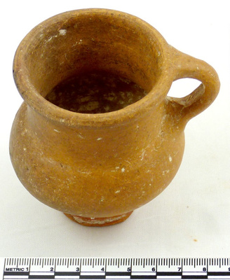 Handled pedestal cup; 400-450; 1984.6.80