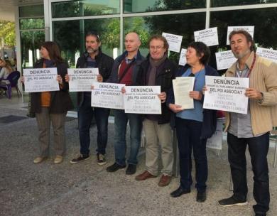 """Profesores asociados denuncian al Parlamento Europeo su situación de """"precariedad laboral""""."""