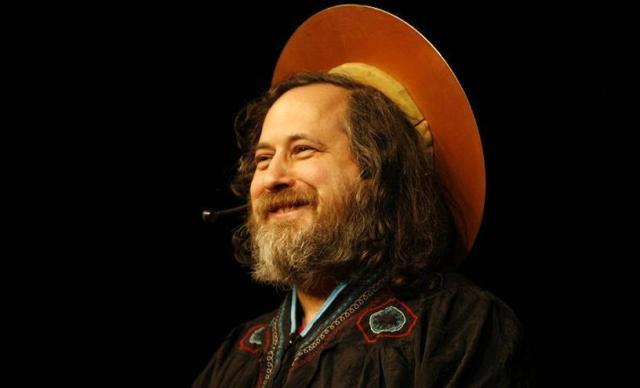 Stallman defiende el derecho de los desarrolladores a cobrar por la creación de 'software' libre