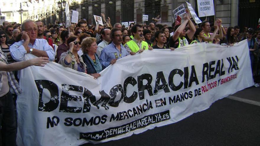 Lema con el que se convocó el 15M en 2011. Arranque de la manifestación en Madrid