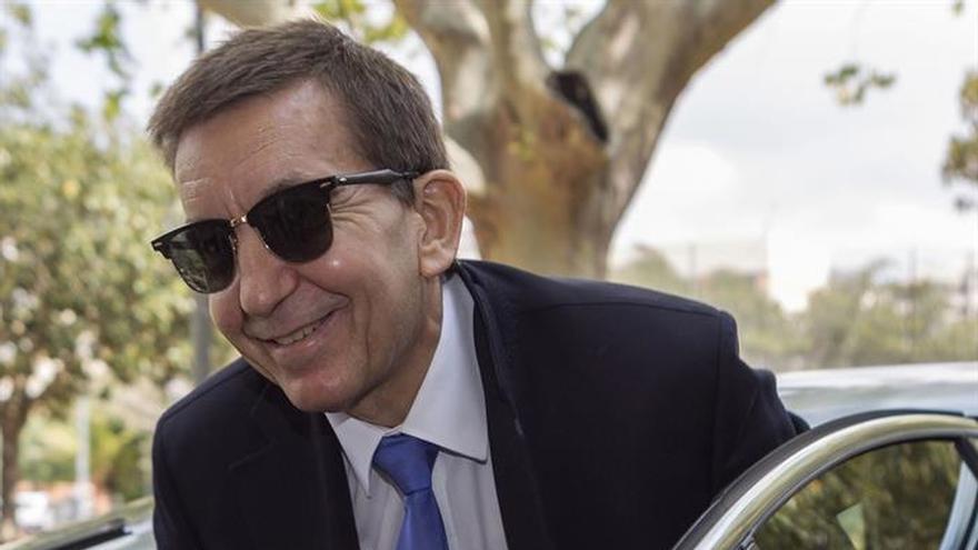 Moix: La Guardia Civil ha ido más allá de sus funciones en investigación a Cifuentes
